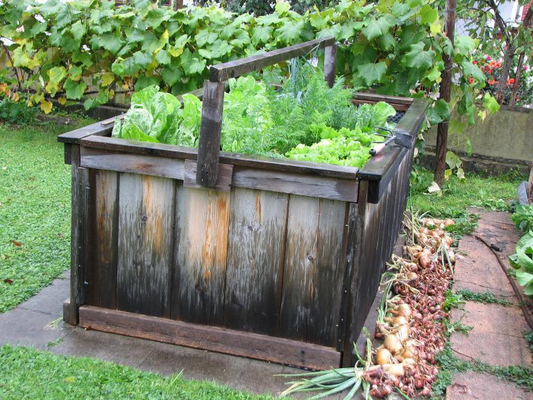 hochbeet bauen und bepflanzen. Black Bedroom Furniture Sets. Home Design Ideas